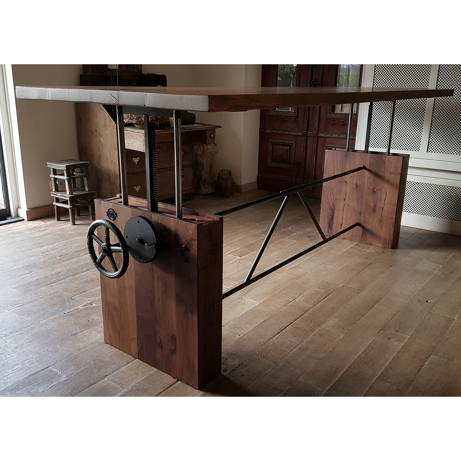 Height adjustable crank table black walnut - DT07