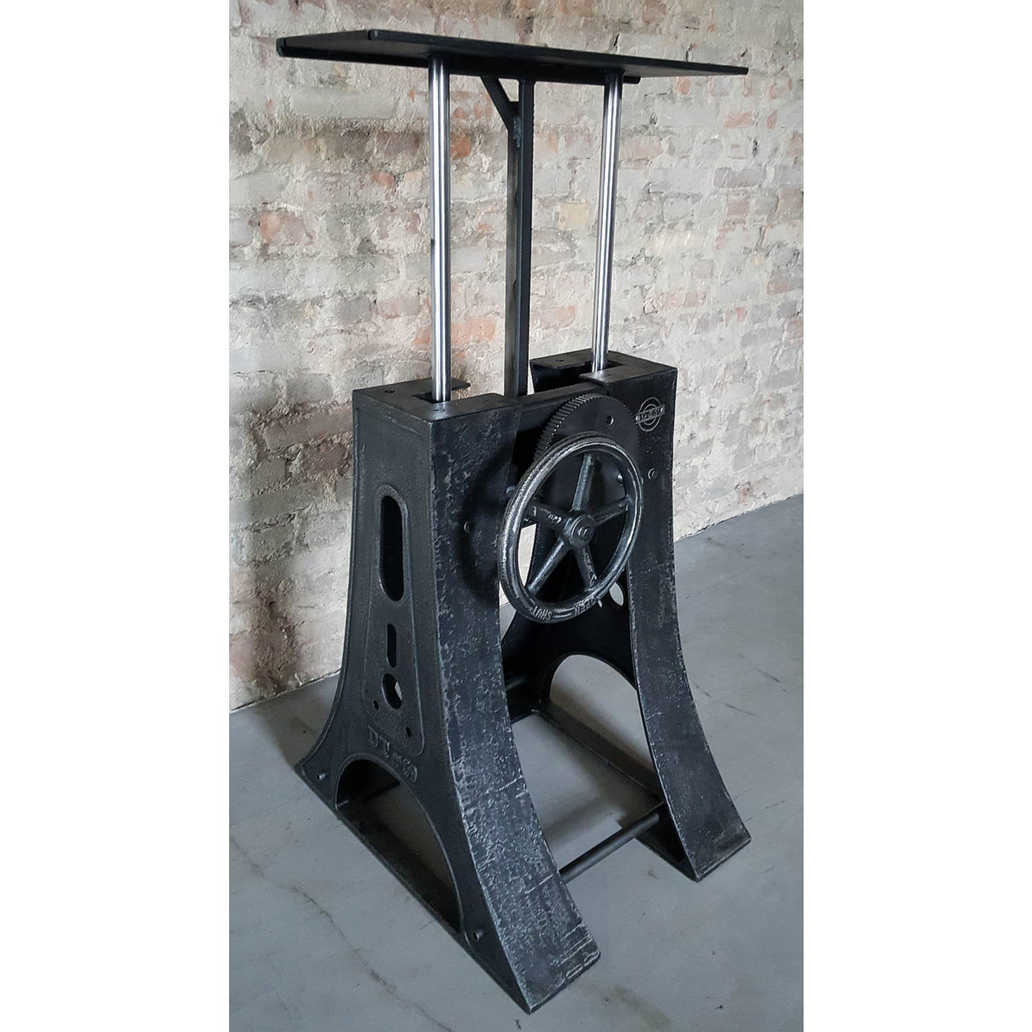 Adjustable in height industrial crank base DT22-LOS