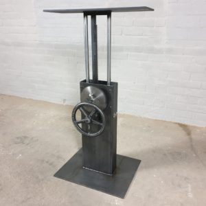 Adjustable in height industrial crank base Bistro DT26-LOS