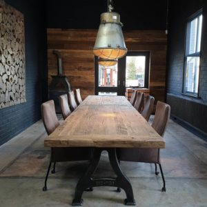 Industrial design table – cast iron base – 7cm reclaimed oak top - DT27