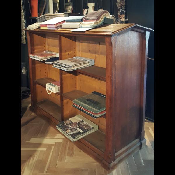 Antique bookcase - A008