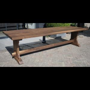 Castle table-Walnut G002.30