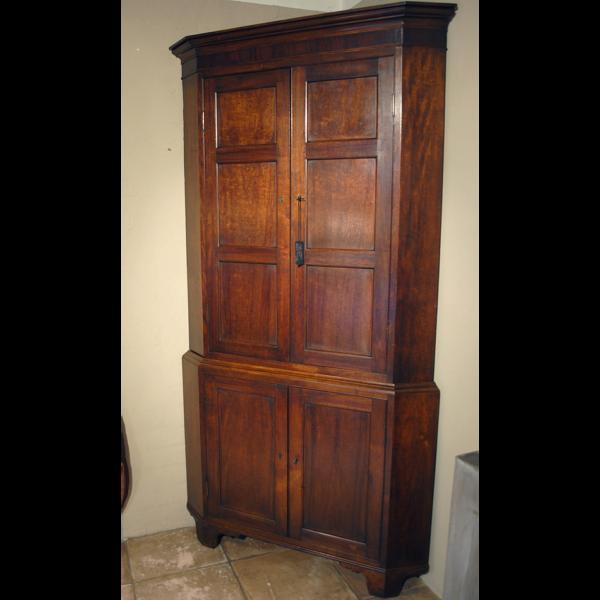 Antique corner cupboard A-H001