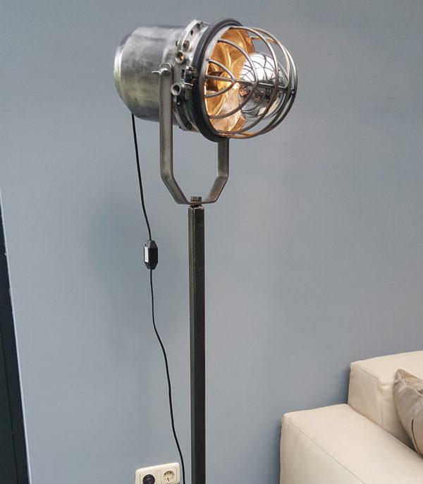 Spotlight Industrial design   studio lamp X18