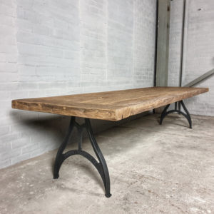 Industrial design table – cast iron base - Tabletop 7cm sunburned reclaimed oak - DT17
