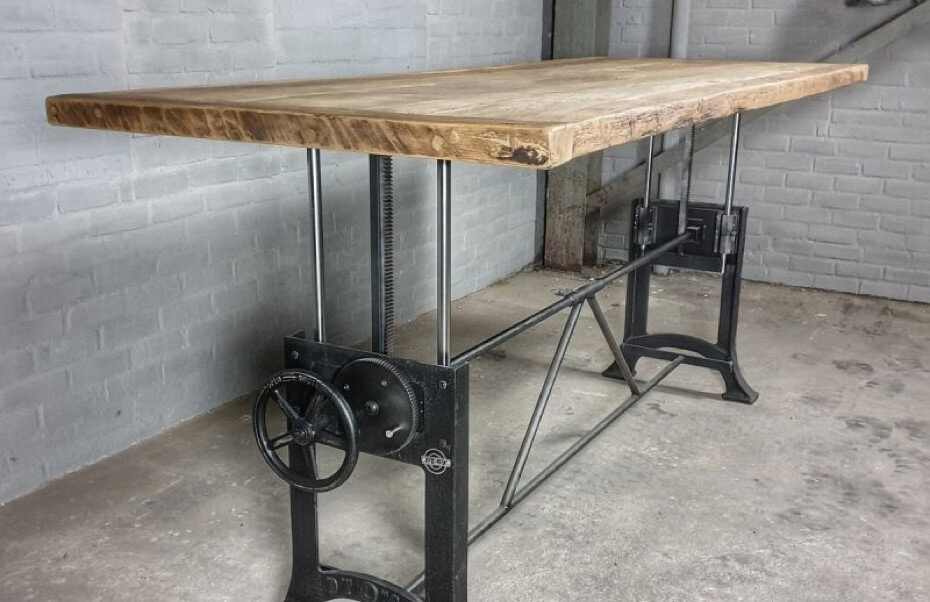 Height adjustable crank table - industrial