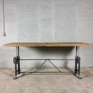 Height adjustable industrial desk table with 5cm sunburned reclaimed oak top and cast iron base