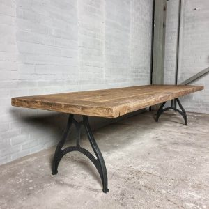 industrial-design-table-cast-iron-base-tabletop-7cm-sunburned-reclaimed-oak-dt17-01