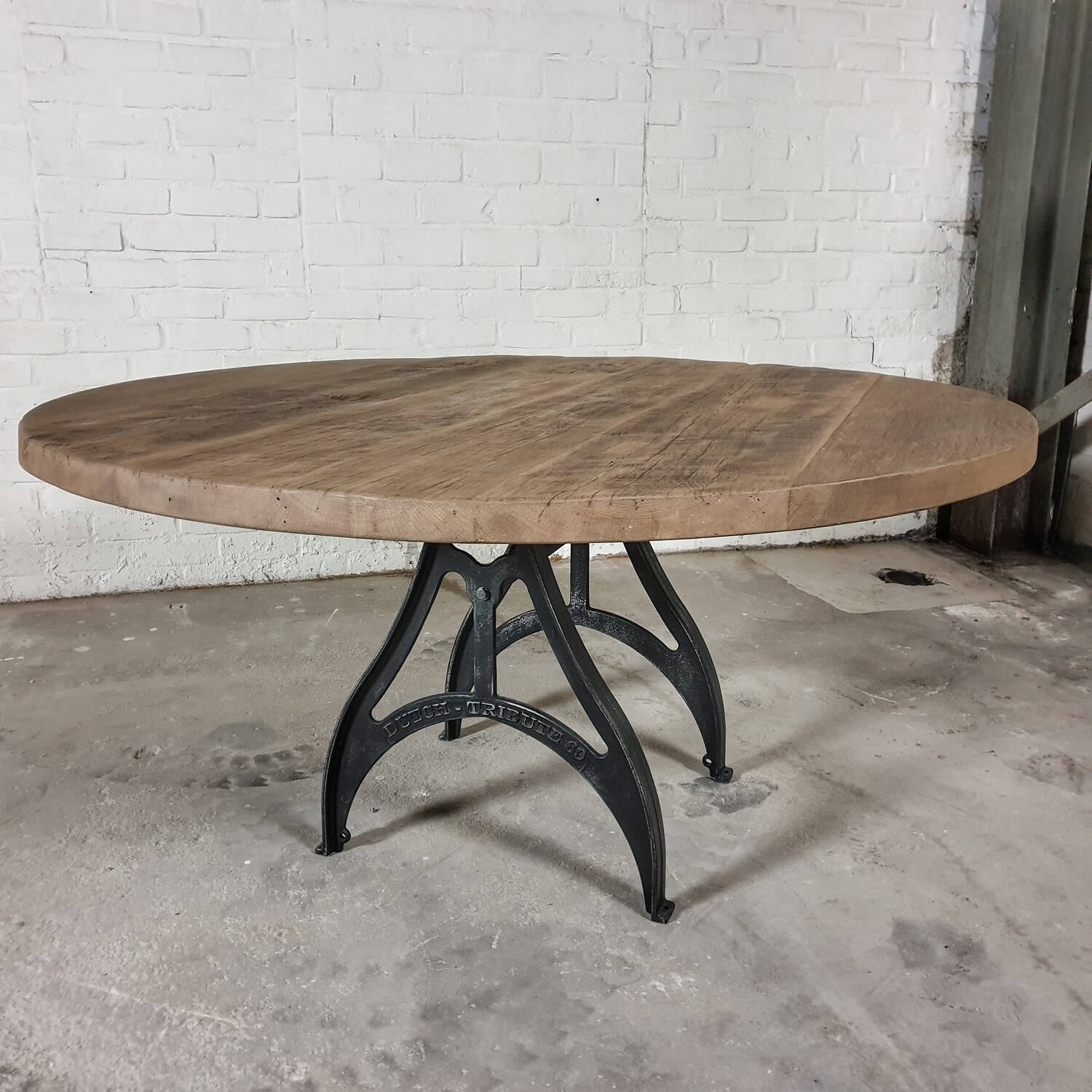 Round Industrial Dining Table Reclaimed Sunburned Oak Cast Iron Base Dt69