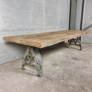 industrial-design-table-old-cast-iron-legs-7cm-sunburned-reclaimed-oak-top-ind721
