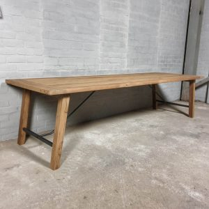 Dining-table-Bato-3-meter-long-of-reclaimed-oak-and-steel-H016